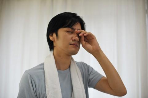 花粉症で目がかゆい