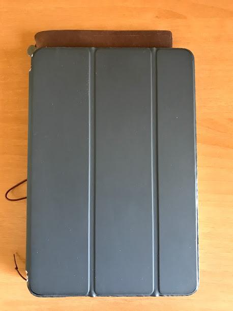 iPadmini3とトラベラーズノート レギュラーサイズを比較