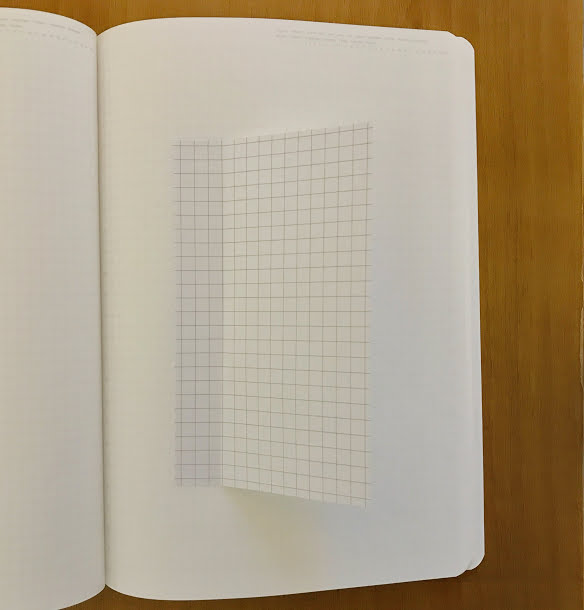 ポスト・イット 強粘着モバイルメモ Mサイズ 方眼入りをノートに貼ったところ