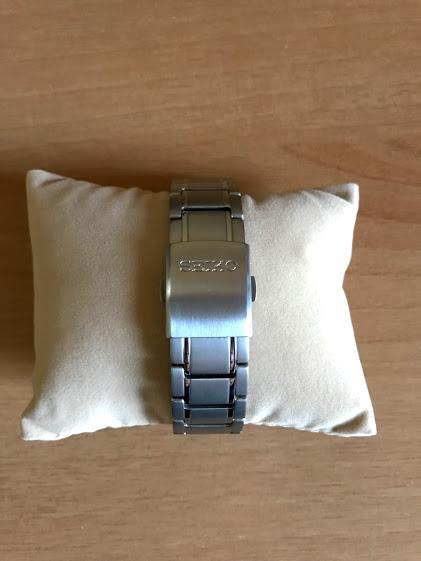 セイコーセレクション SBTM217のベルトバックルのフタにSEIKOと表記