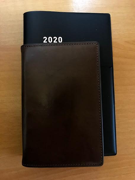 ジブン手帳Biz miniとダヴィンチのシステム手帳ポケットサイズのサイズ比較