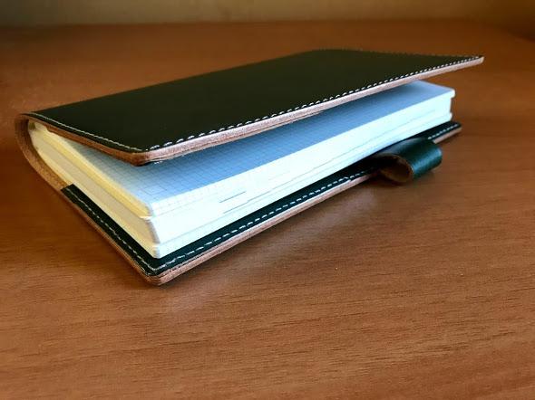 ジブン手帳Biz miniの「DIARY」と「IDEA」2冊をセット完成