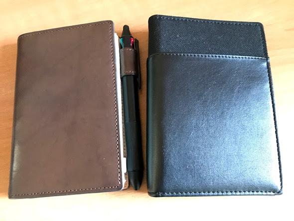 ポケットサイズのシステム手帳とリフィルを収納するファイル